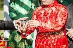 Ceremonia de té de la boda Foto de archivo libre de regalías