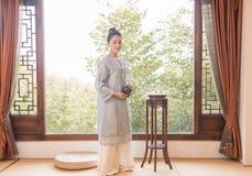 Ceremonia de té de Bamboo ventana-China del especialista del arte del té Imagenes de archivo