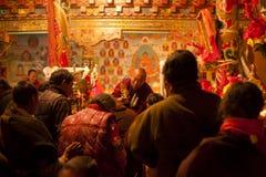 Ceremonia en el templo de Tagong Fotos de archivo