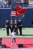 Ceremonia otwarcia przed us open 2013 kobiet definitywnym dopasowaniem przy Billie Cajgowego królewiątka tenisa Krajowym centrum obrazy royalty free