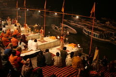 Ceremonia santa en Varanasi Imagen de archivo libre de regalías