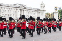 Ceremonial changing of the London guards in front of the Bucking Palace, London, United Kingdom Stock Photography