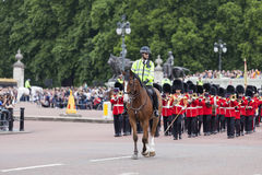 Ceremonial changing of the London guards in front of the Buckingham Palace, United Kingdom Stock Image