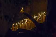 Ceremonie van het branden van kaarsen in de Tempel van Verrijzenistempel van de Lord` s Doodskist in Jeruzalem Stock Afbeelding