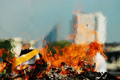 ceremonie van het vrijgeven van ziel van vagevuur - de brandwond van de Brandvlam pape Royalty-vrije Stock Afbeelding