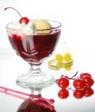 Cereza, jugo y helado Foto de archivo libre de regalías