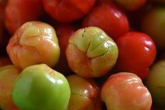 Cerezas dulces como marco completo del fondo Foto de archivo