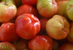 Cerezas dulces como marco completo del fondo Fotografía de archivo