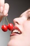 Cerezas rojas Fotos de archivo libres de regalías