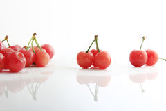 Cerezas rojas Fotos de archivo