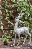 Cerfs communs de Noël Décoration de style de vintage avec le petit pain d'arbre de Noël Photos libres de droits