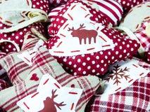 Cerfs communs et coeurs de fond de décoration de Noël Photographie stock libre de droits