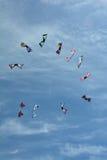 Cerfs-volants montant dans le ciel Images libres de droits