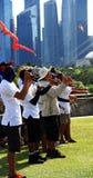 Cerfs-volants volants de personnes ensemble Image libre de droits