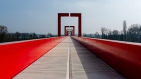 Cergy - der rote Zugang Stockfotos