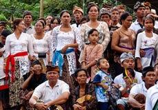 Cerimónia da cremação: povos do balinese foto de stock