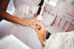 Cerimónia de casamento na igreja Fotografia de Stock