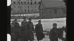 Cerimônia militar alemão do enterro na parte dianteira oriental