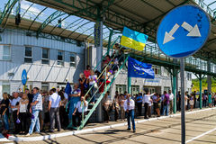 Cerimônia simbólica na beira Eslovaco-ucraniana em um visto-livre Foto de Stock
