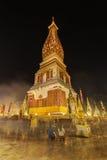 Cerimonia della gente per adorare il bello a Wat Phra Thatphanom immagine stock