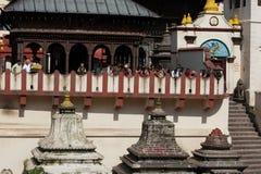 Cerimonia di cremazione al tempio di Pashupatinath. Il Nepal Fotografia Stock