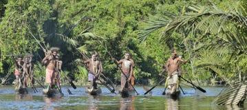 Cerimonia di guerra della canoa della gente di Asmat Fotografia Stock Libera da Diritti