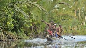 Cerimonia di guerra della canoa di Asmat Immagini Stock