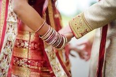 Cerimonia di nozze indù stupefacente Dettagli di nozze indiane tradizionali Immagine Stock