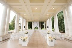 Cerimonia di nozze sotto un padiglione Immagine Stock Libera da Diritti