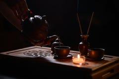Cerimonia di tè con le candele Immagini Stock Libere da Diritti