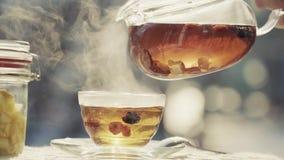 Cerimonia di tè su aria gelida