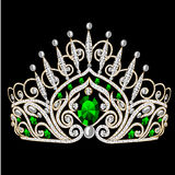 Cerimonia nuziale femminile del bello diadem con lo smeraldo Fotografia Stock