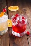 Cerises de cocktail avec de la glace Photo libre de droits