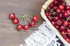 Cerises fraîches Photo libre de droits