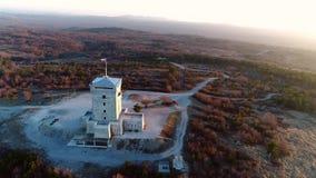 Cerje-Monument von oben stock video footage