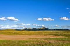 cerque en WulanBu todo el campo de batalla antiguo del prado Foto de archivo libre de regalías