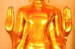 Cerrado encima de la mano del budha en el templo de Tailandia Fotografía de archivo libre de regalías