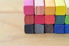 Cerrado encima de la tiza colorida para el fondo Imágenes de archivo libres de regalías