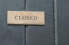 Cerrado firme adentro una puerta de madera Fotos de archivo