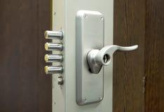 Cerradura de puerta de la seguridad Imagen de archivo libre de regalías