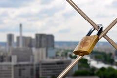 Cerradura del amor de París Foto de archivo libre de regalías