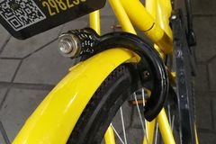 Cerradura quebrada de la bicicleta de OFO Foto de archivo