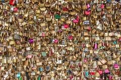 Cerraduras del amor de PARÍS Fotos de archivo libres de regalías