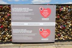 Cerraduras del amor del puente de París Fotografía de archivo