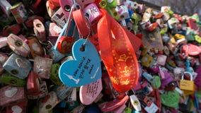 Cerraduras del amor en la torre de N Seul Fotos de archivo