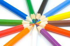 Cerrar-uo del lápiz coloreado imagenes de archivo
