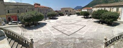 Cerreto Sannita - panoramica del quadrato dal sagrato fotografie stock