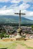 Cerro de Λα Cruz είναι ένα θρησκευτικό διαγώνιο μνημείο πετρών Στοκ Φωτογραφία