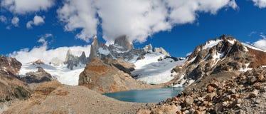 cerro de fitz laguna los patagoniaroy tres Royaltyfria Foton