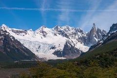 PANORAMA de vallée de Cerro Torre Photos stock